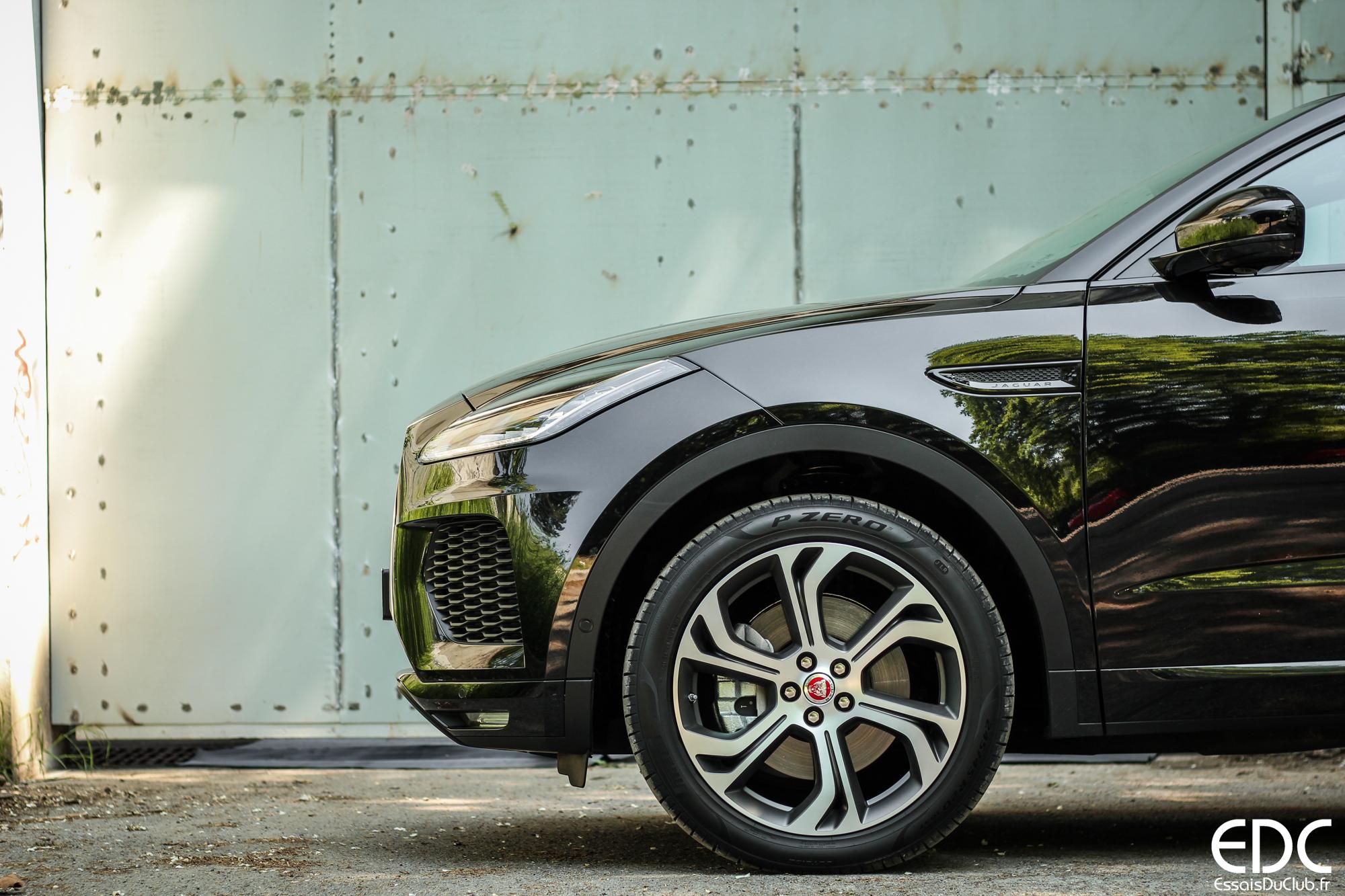 Jaguar E-Pace avant profil