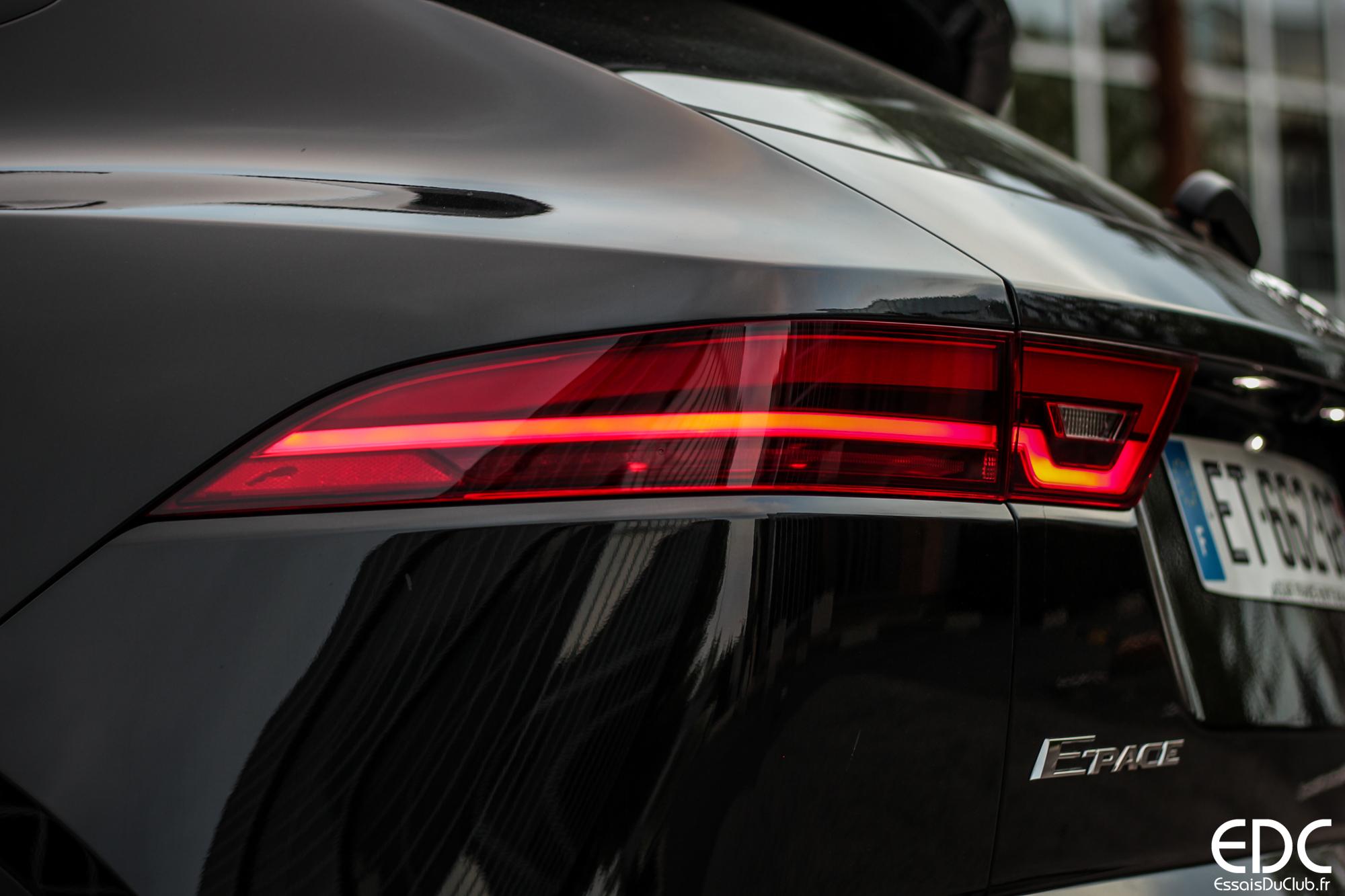 Jaguar E-PACE feu