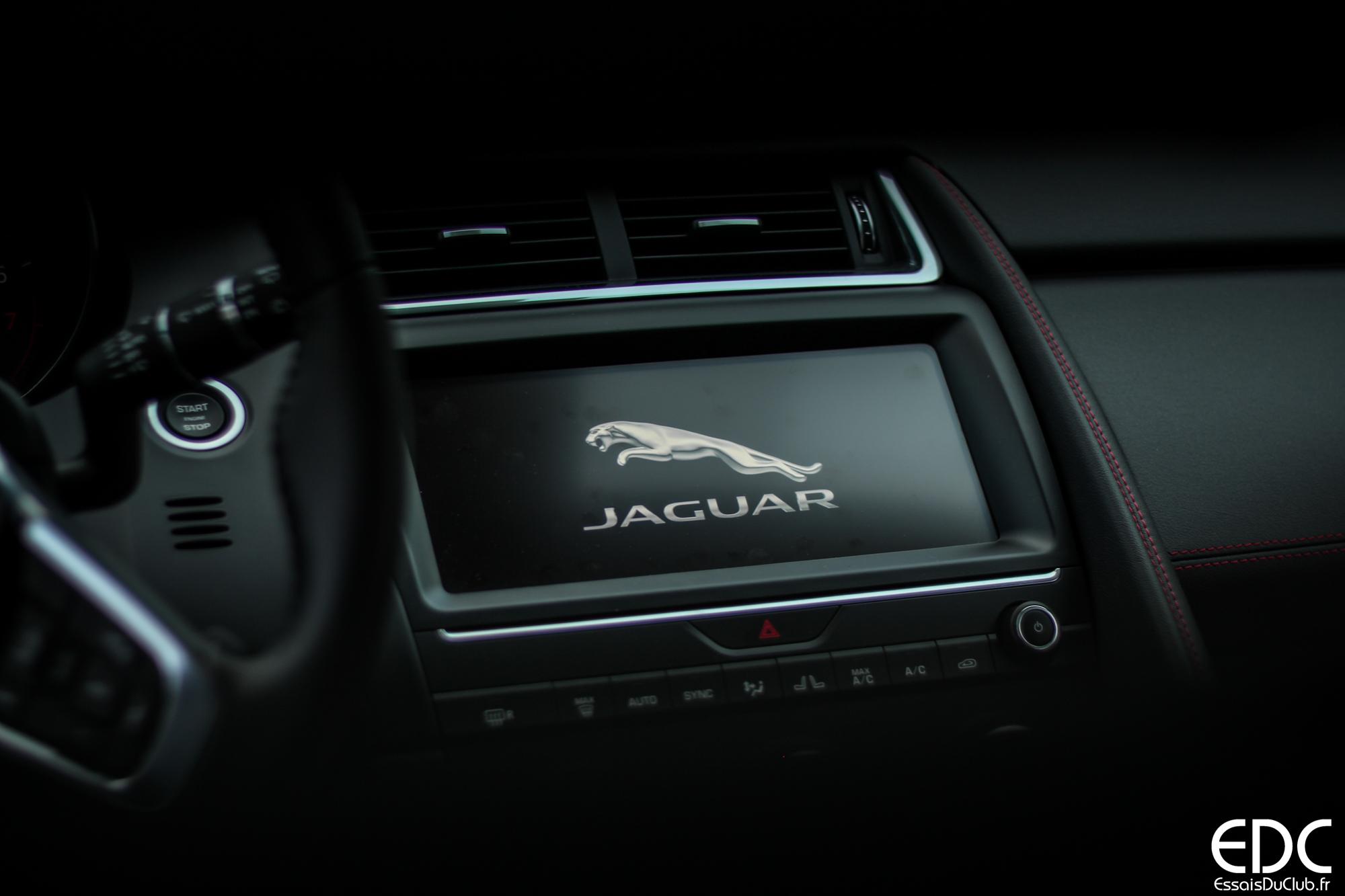 Jaguar E-PACE écran tactile