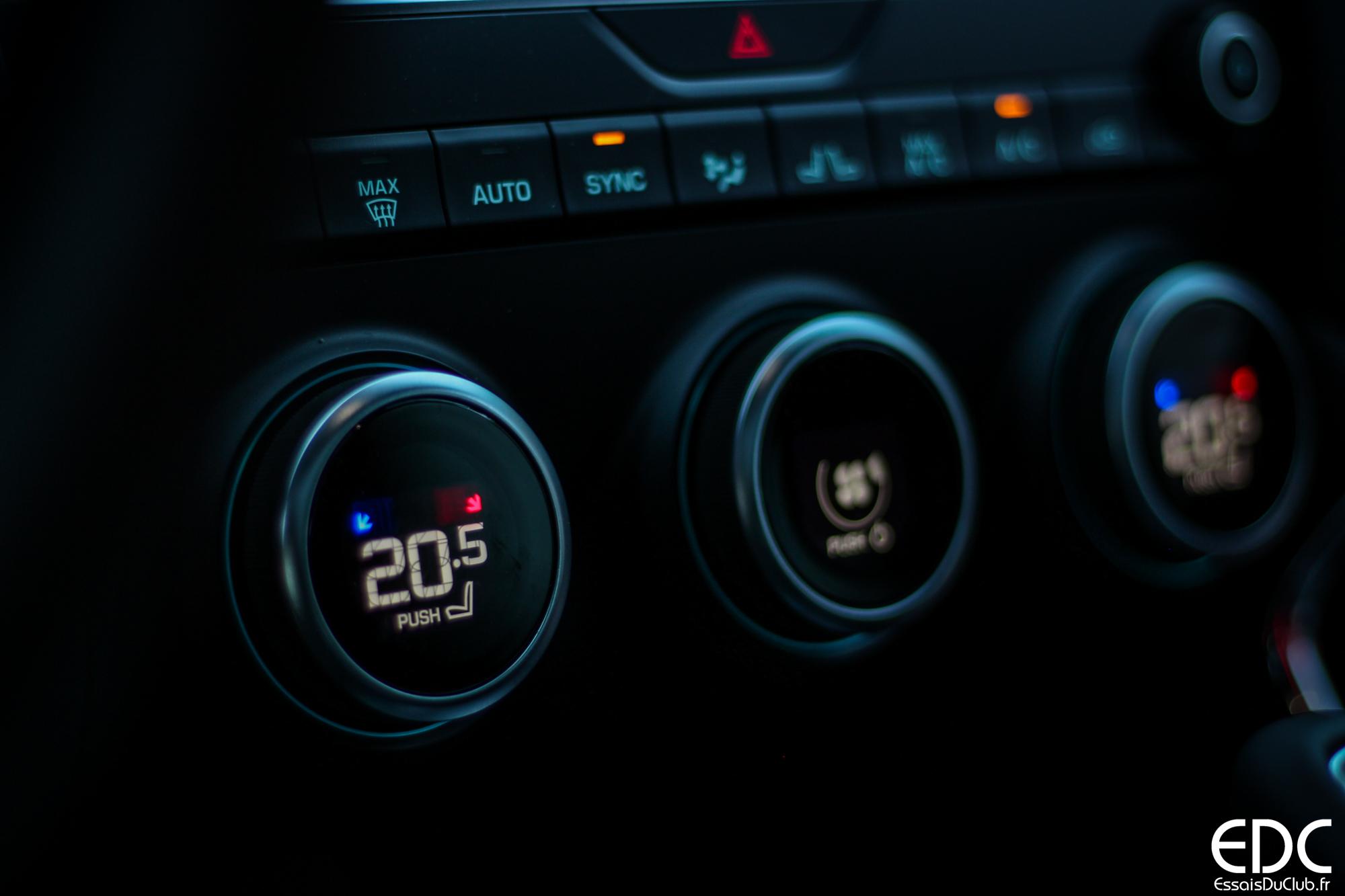 Jaguar E-PACE climatisation