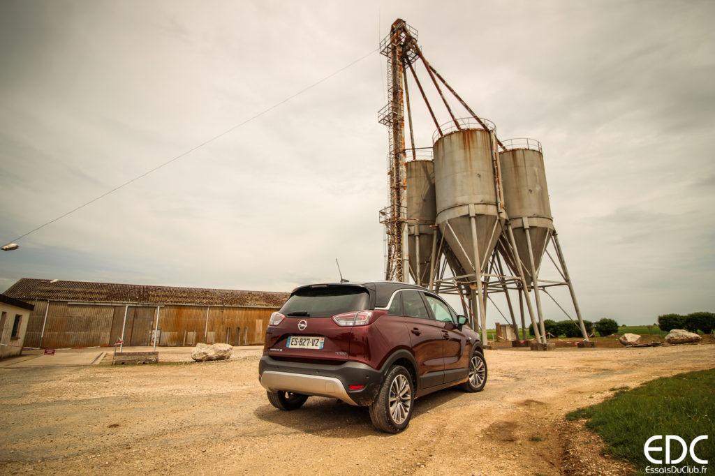 Opel Crossland X arrière industriel
