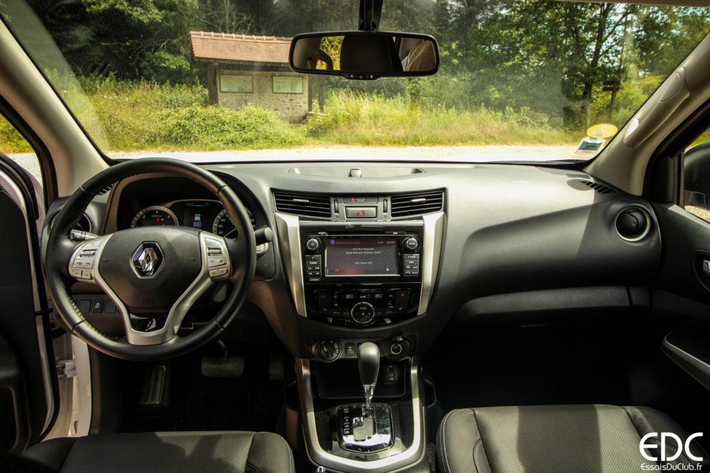 Renault Alaskan intérieur