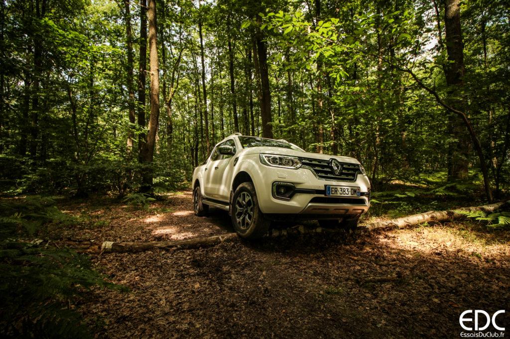 Renault Alaskan offroad