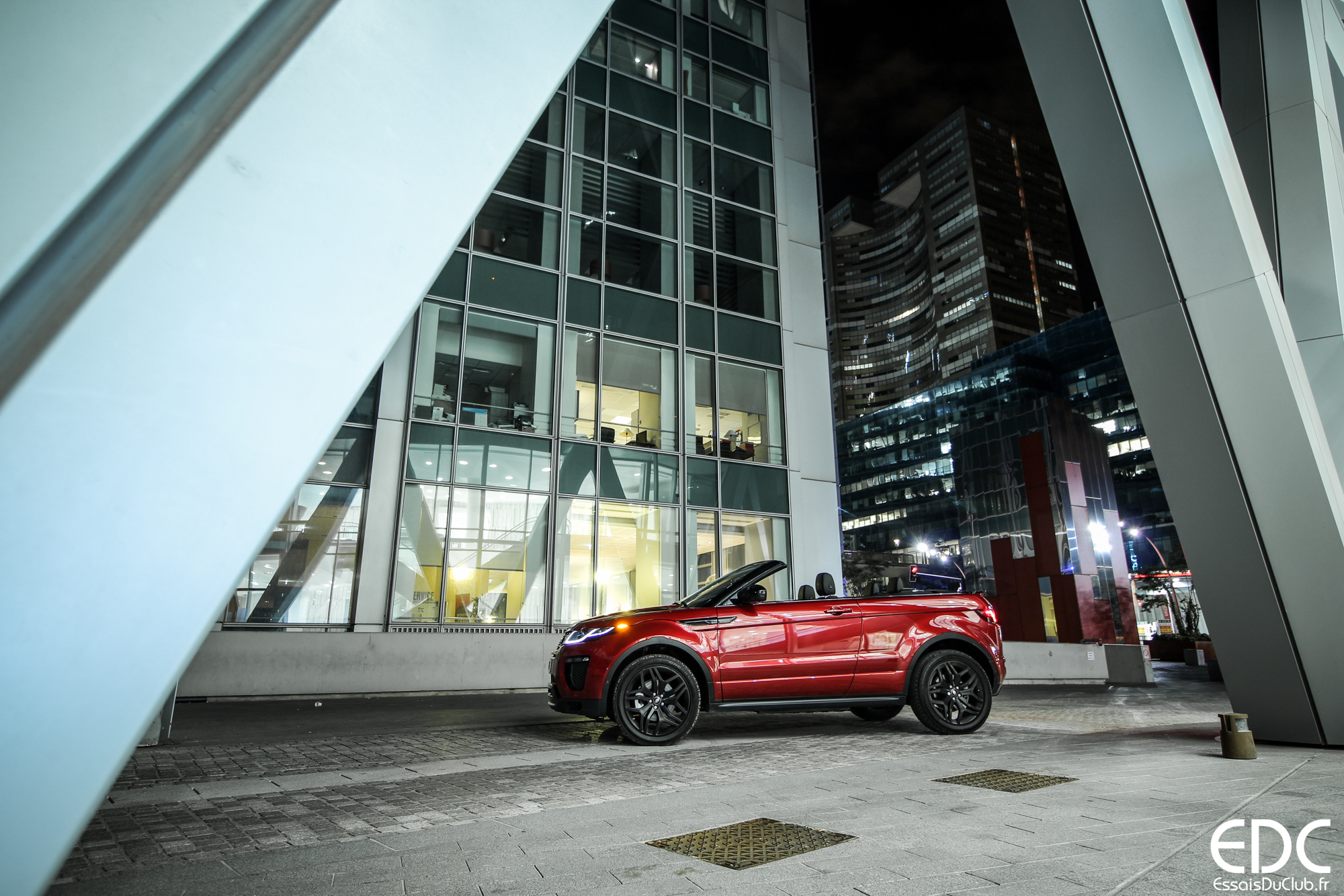 Land Rover Evoque Cabriolet rouge