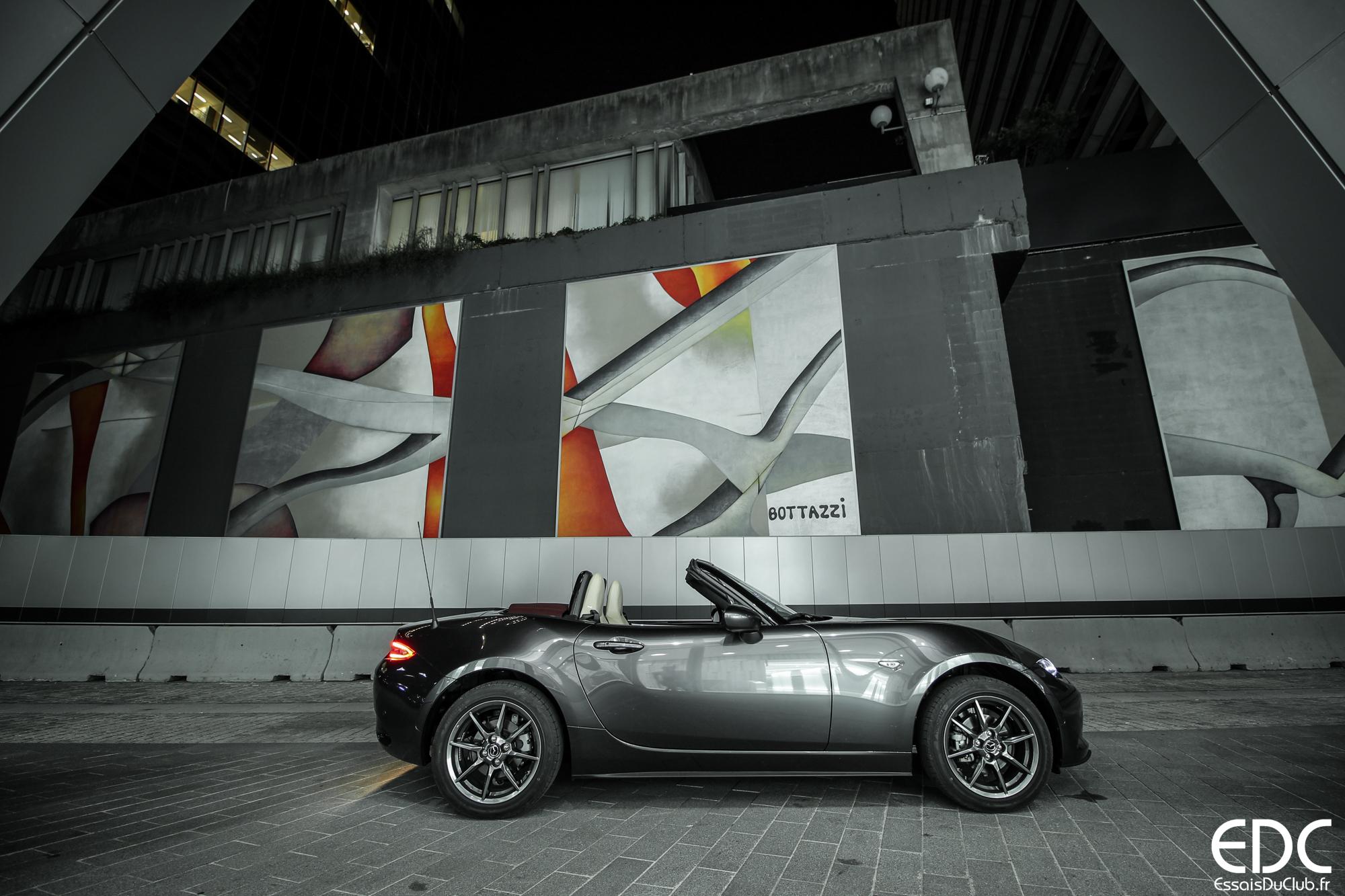 Mazda MX-5 profil
