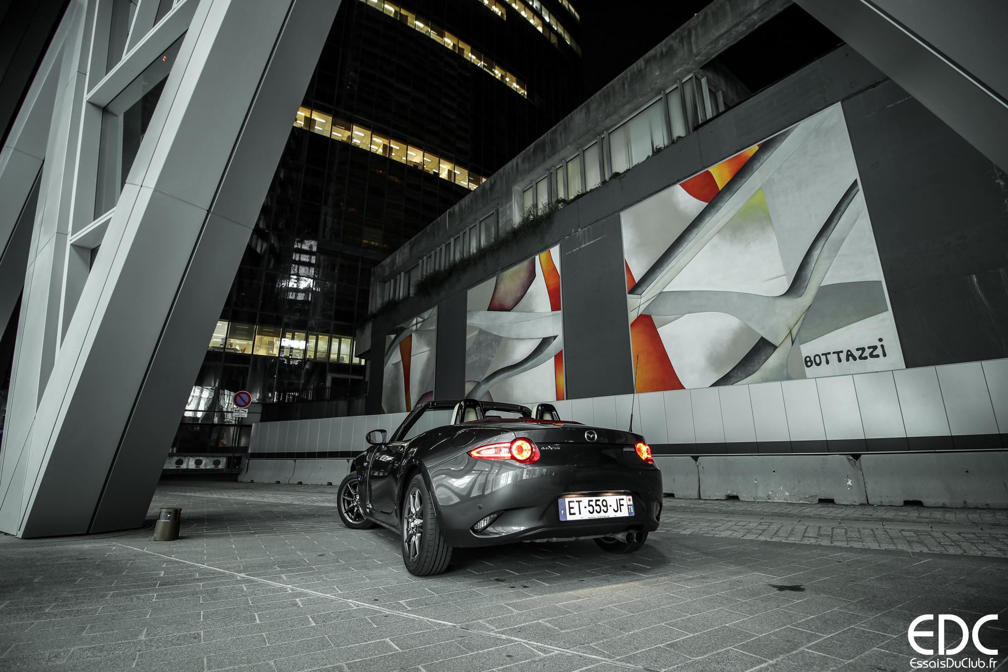 Mazda MX-5 city
