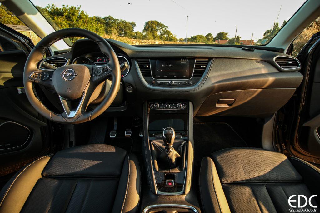 Opel Grandland X intérieur