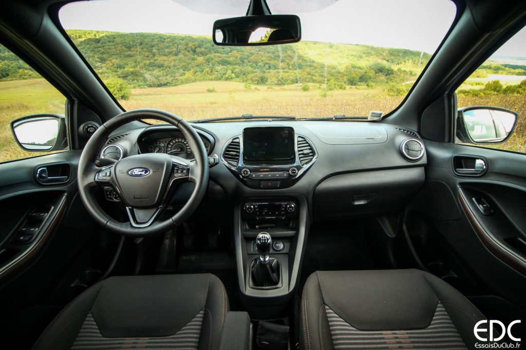 Ford KA+ Active intérieur