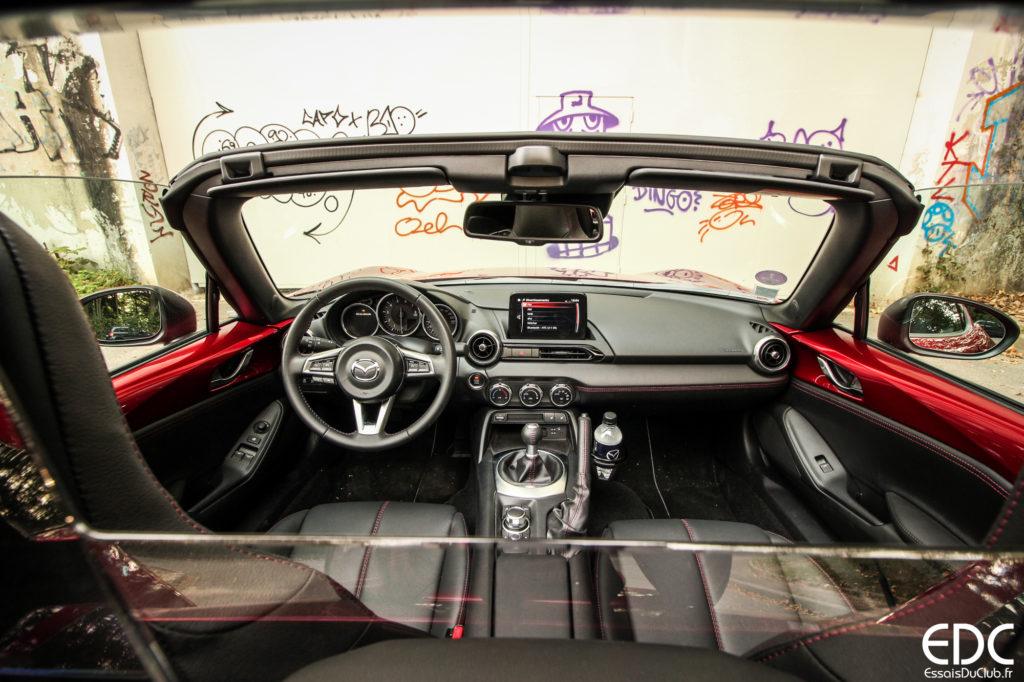 Mazda MX-5 intérieur