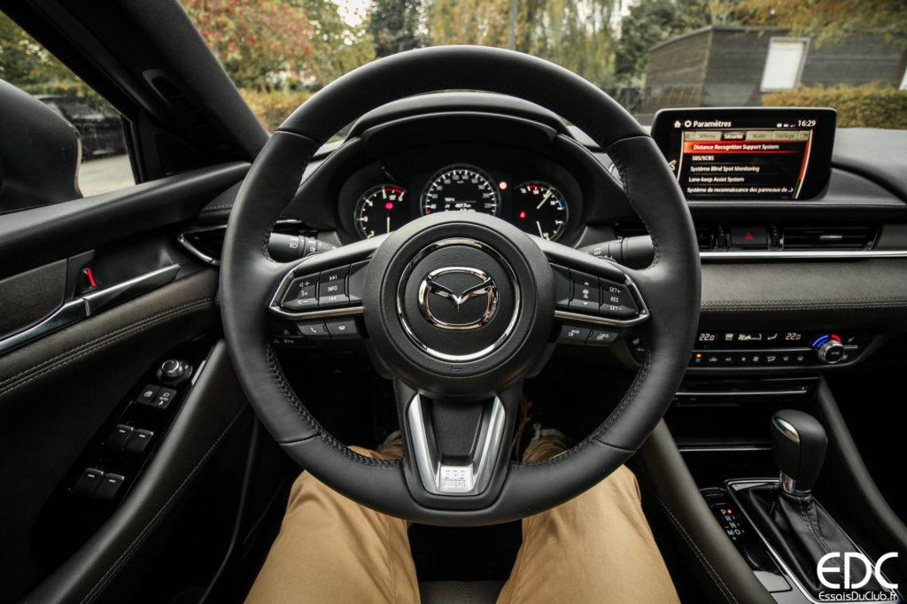 Mazda 6 takumi volant