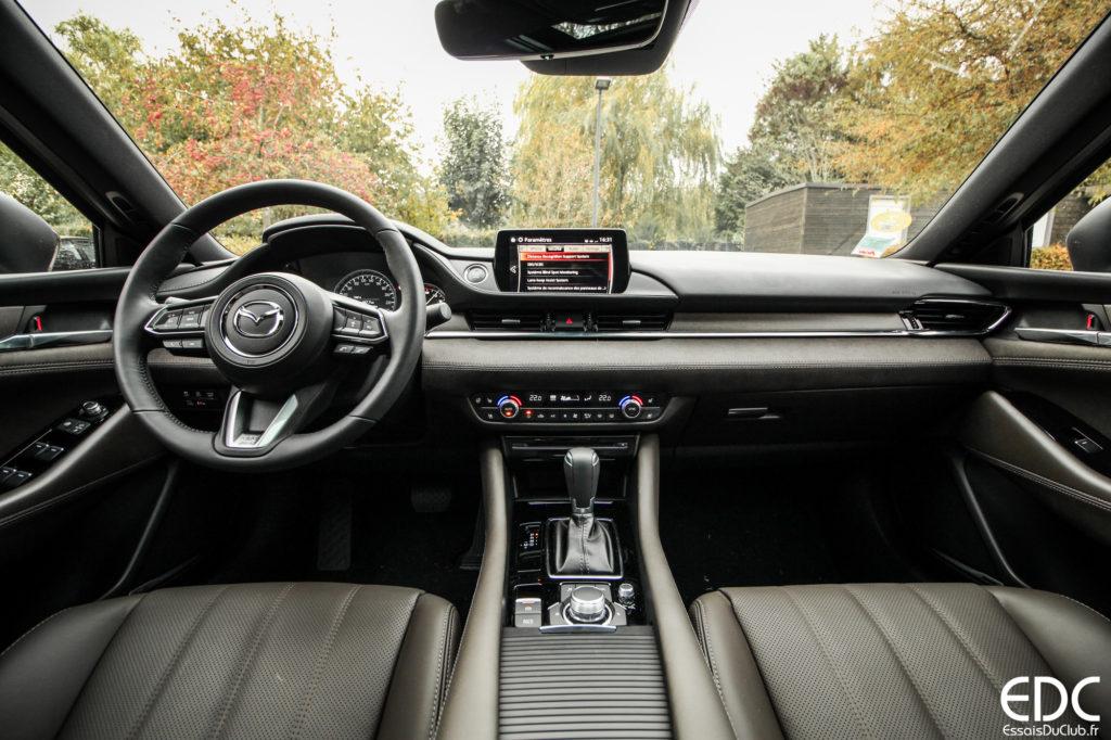 intérieur Mazda 6