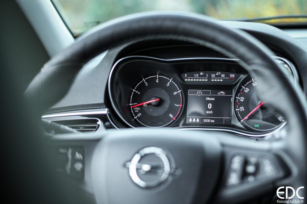 Opel Corsa GSi compteurs