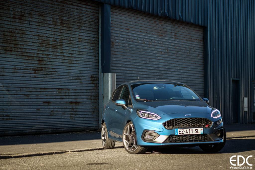 Ford Fiesta ST bleu