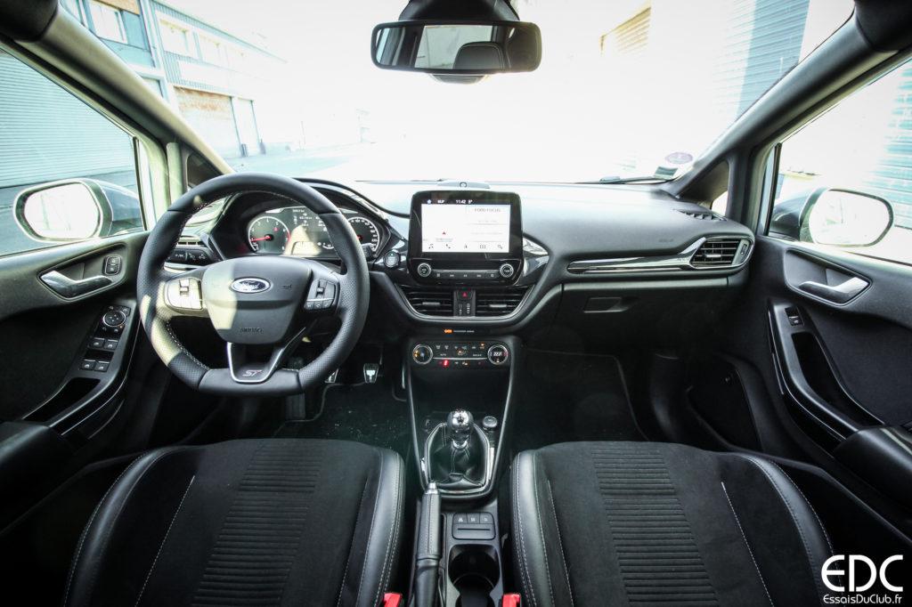 Ford Fiesta ST intérieur