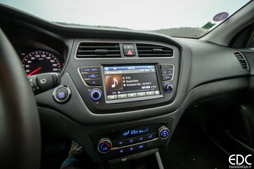 Hyundai i20 tableau de bord