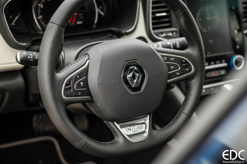 Renault Talisman volant