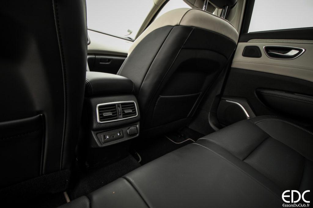 Renault Talisman espace arrière