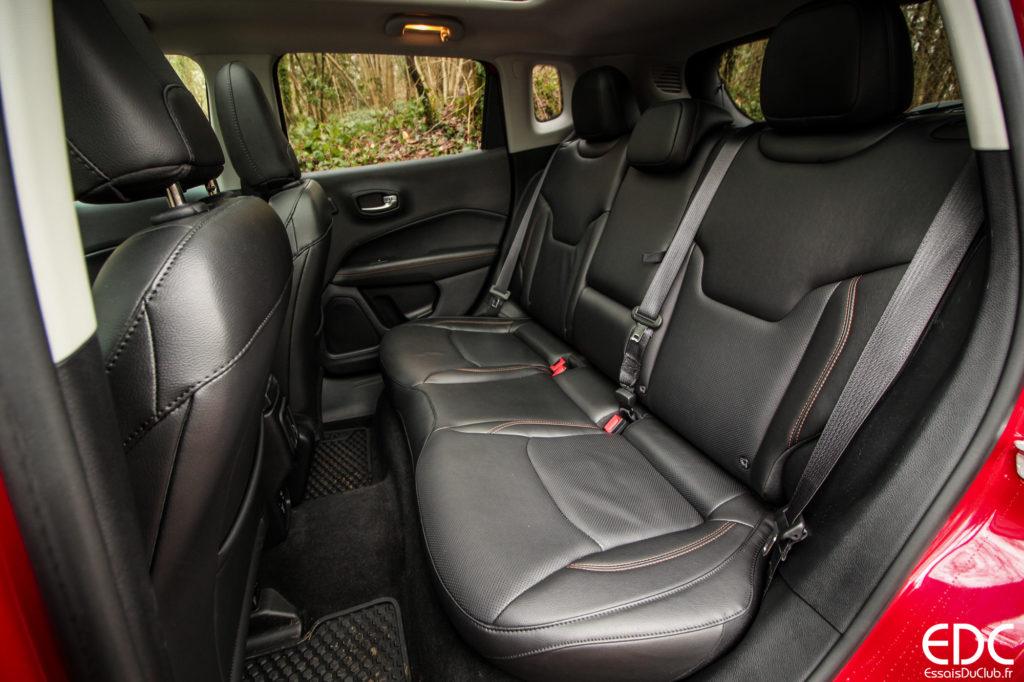 Jeep Compass places arrière