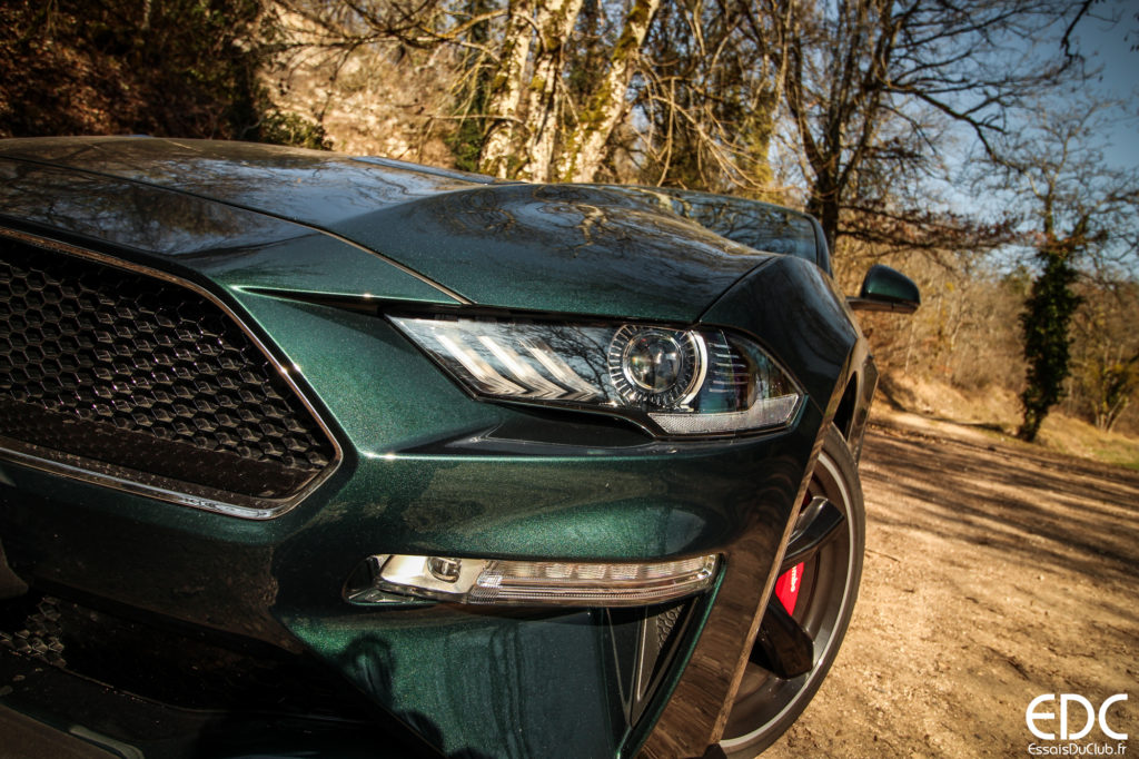 Ford Mustang Bullitt light